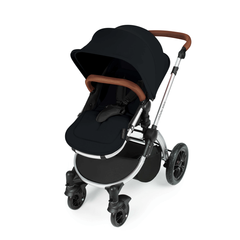 Ickle Bubba Stomp V3 All In 1 Travel System with ISOFIX Base – Black on Silver