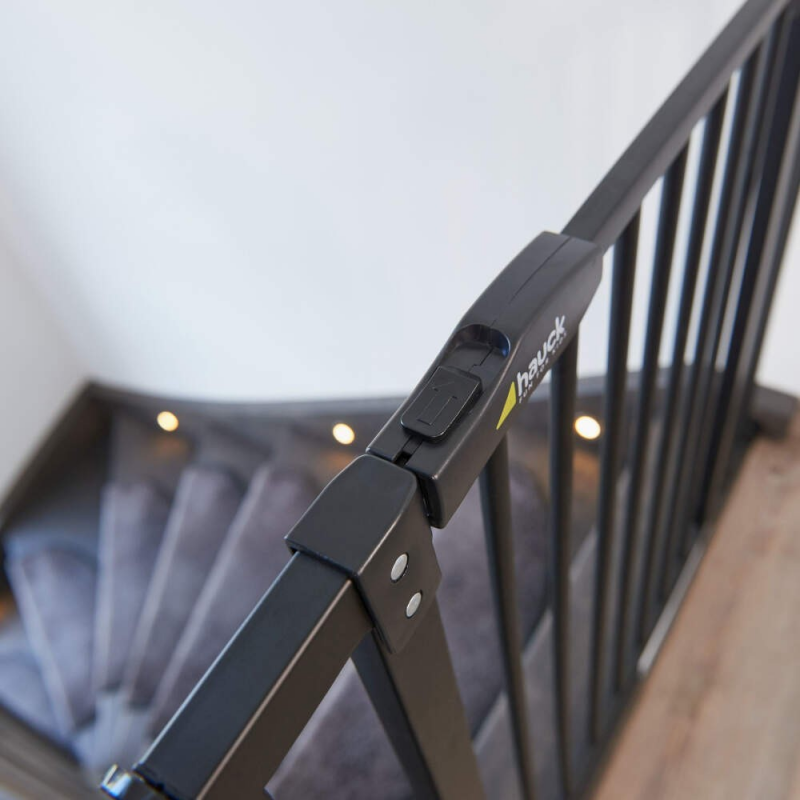 Hauck Close'n Stop Safety Gate incl. 9 cm Extension 84 – 89 cm – Charcoal